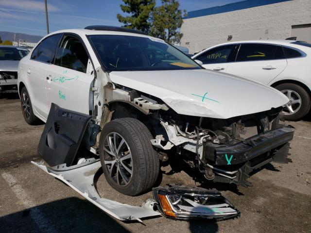 Salvage cars for sale from Copart Rancho Cucamonga, CA: 2017 Volkswagen Jetta SE