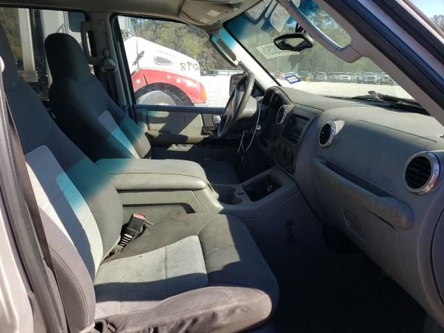 2004 FORD EXPEDITION - Left Rear View
