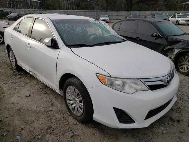Salvage 2014 TOYOTA CAMRY - Small image. Lot 37052401