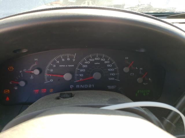 2004 FORD EXPEDITION - Engine View