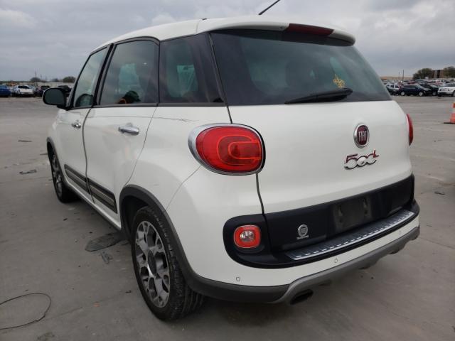 2014 FIAT 500L TREKK - Right Front View