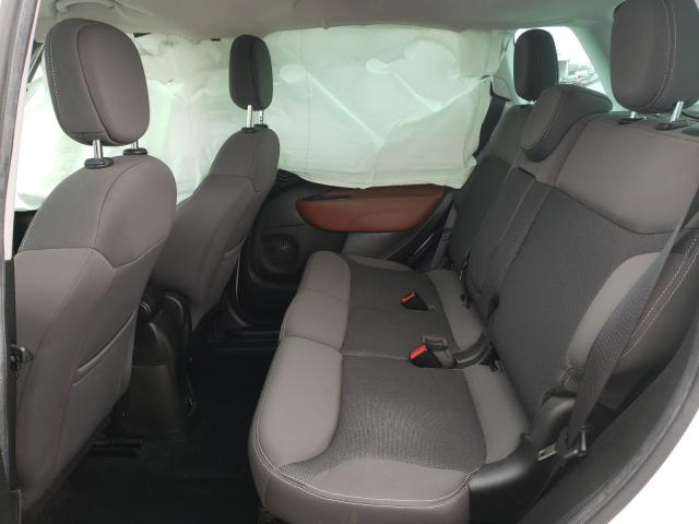 2014 FIAT 500L TREKK - Interior View