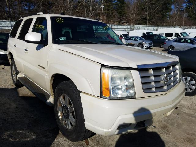 Salvage cars for sale from Copart Mendon, MA: 2004 Cadillac Escalade L