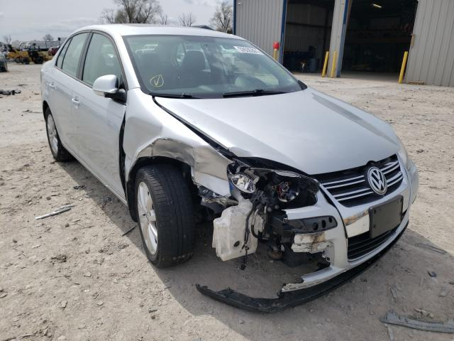 Salvage cars for sale from Copart Sikeston, MO: 2010 Volkswagen Jetta SE