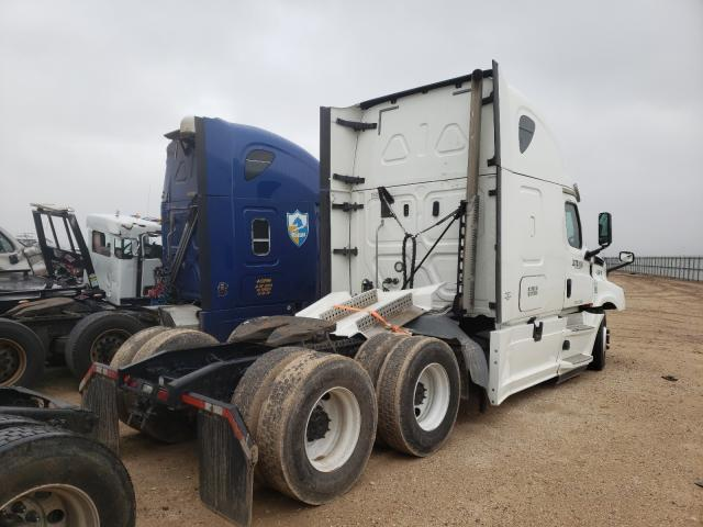 2020 FREIGHTLINER CASCADIA 1 - Right Rear View