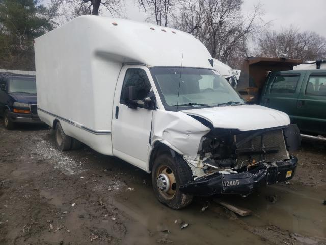 Salvage cars for sale from Copart Albany, NY: 2017 Chevrolet Express G3