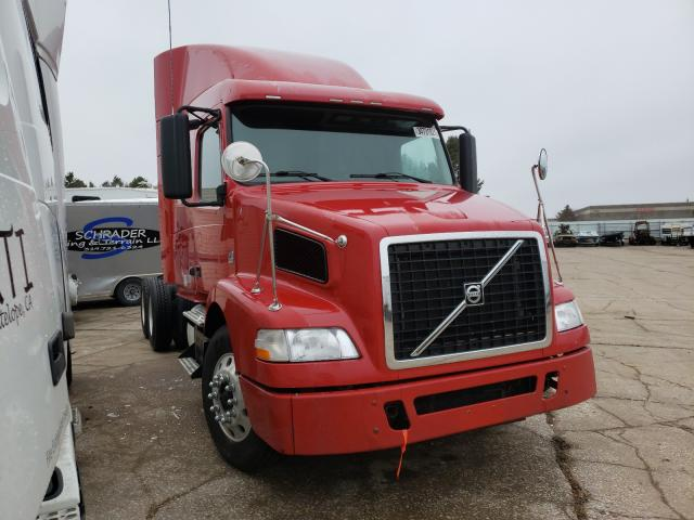 Salvage cars for sale from Copart Eldridge, IA: 2012 Volvo VN VNM