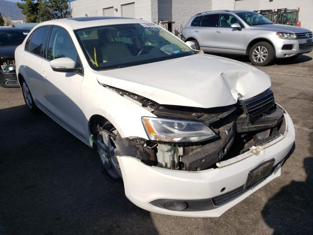 Salvage cars for sale from Copart Rancho Cucamonga, CA: 2011 Volkswagen Jetta TDI