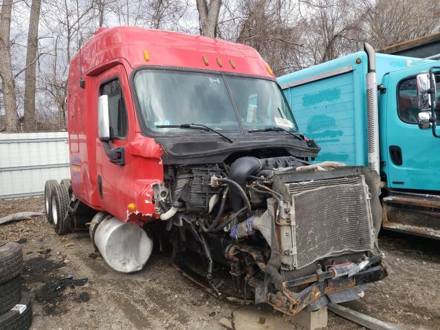 Salvage cars for sale from Copart Albany, NY: 2013 Freightliner Cascadia 1
