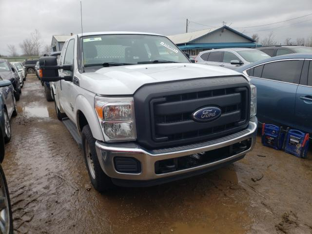Salvage cars for sale from Copart Pekin, IL: 2015 Ford F250 Super