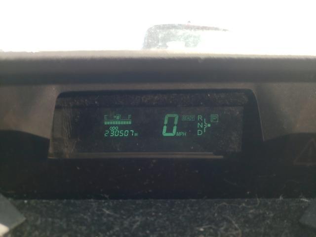 2004 TOYOTA PRIUS - Engine View