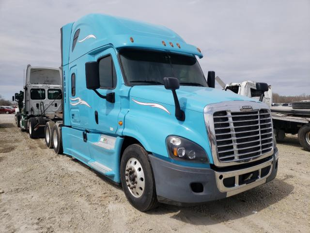 Salvage cars for sale from Copart Wichita, KS: 2016 Freightliner Cascadia 1