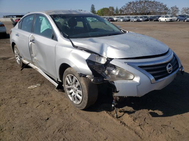 Salvage cars for sale from Copart Bakersfield, CA: 2015 Nissan Altima 2.5