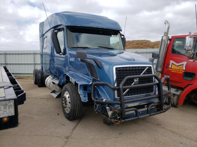 Salvage cars for sale from Copart Eldridge, IA: 2016 Volvo VN VNL