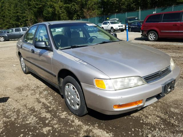 Salvage cars for sale from Copart Graham, WA: 1997 Honda Accord DX