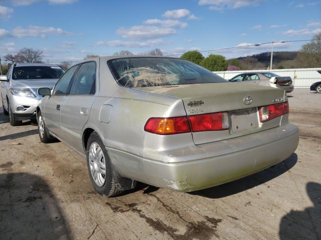 2001 TOYOTA CAMRY CE - Right Front View