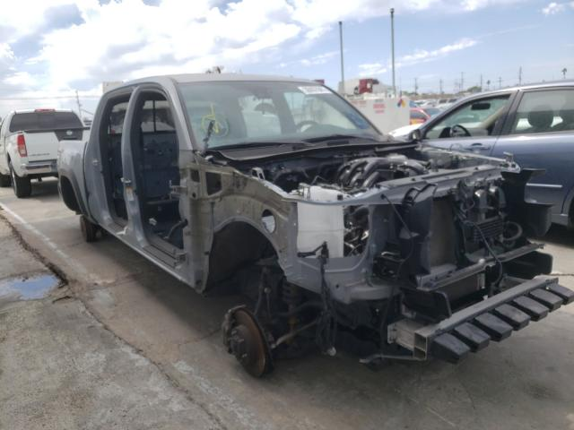 Salvage cars for sale from Copart Sun Valley, CA: 2019 Toyota Tacoma DOU