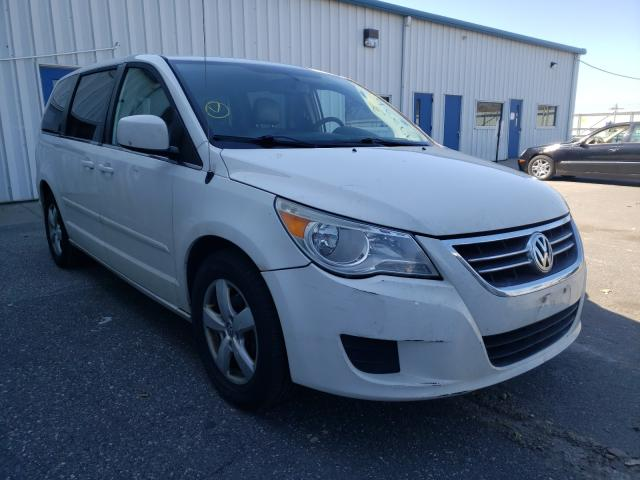 Salvage cars for sale from Copart Brookhaven, NY: 2010 Volkswagen Routan SE