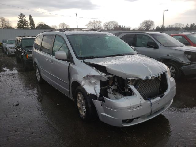 Salvage cars for sale from Copart Cudahy, WI: 2010 Chrysler Town & Country