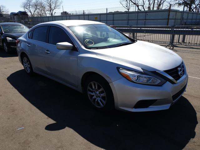 Salvage cars for sale from Copart Brookhaven, NY: 2017 Nissan Altima 2.5