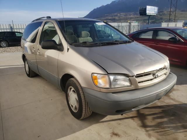 Salvage cars for sale from Copart Farr West, UT: 2000 Toyota Sienna LE