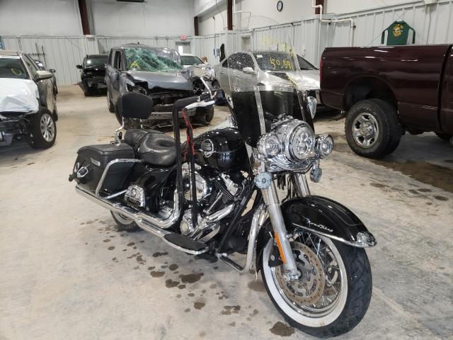 Salvage cars for sale from Copart Milwaukee, WI: 2010 Harley-Davidson Flhrc