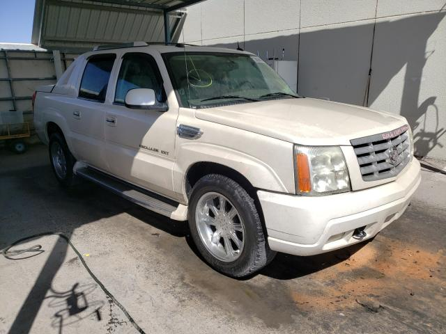 Salvage cars for sale from Copart Anthony, TX: 2005 Cadillac Escalade E
