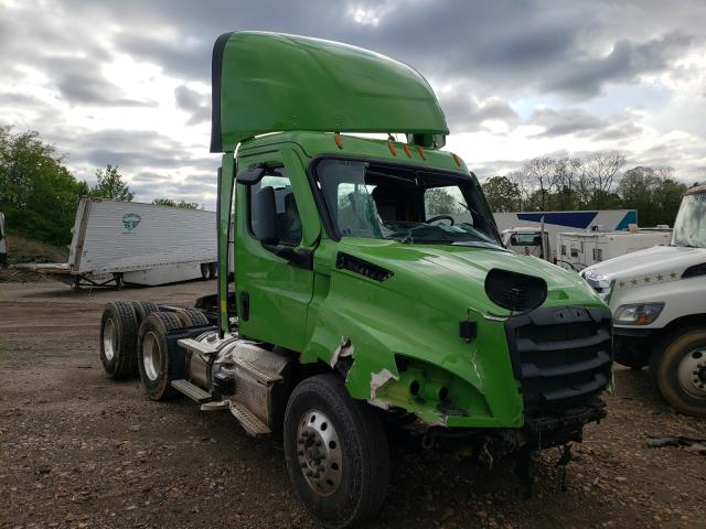 Salvage cars for sale from Copart Hueytown, AL: 2021 Freightliner Cascadia 1
