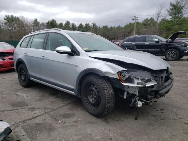 Salvage cars for sale from Copart Exeter, RI: 2017 Volkswagen Golf Alltr