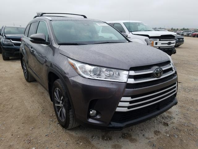 2019 Toyota Highlander for sale in Houston, TX