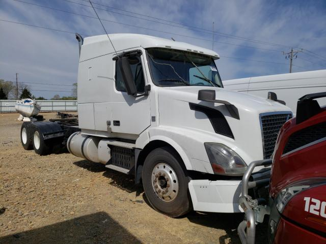 Salvage cars for sale from Copart Chatham, VA: 2013 Volvo VN VNL