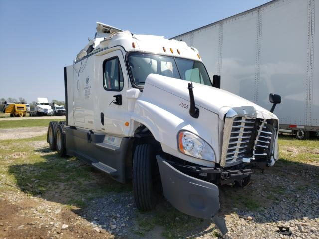 2015 Freightliner Cascadia for sale in Sikeston, MO