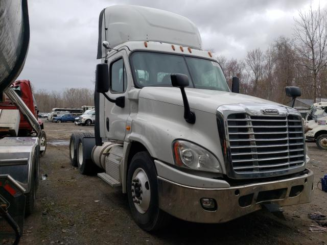 Freightliner salvage cars for sale: 2014 Freightliner Cascadia 1