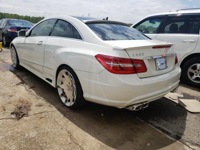 2010 MERCEDES-BENZ E 350 - Right Front View