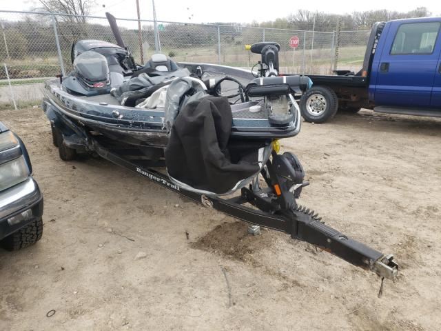 Salvage boats for sale at Madison, WI auction: 2015 Land Rover Boat