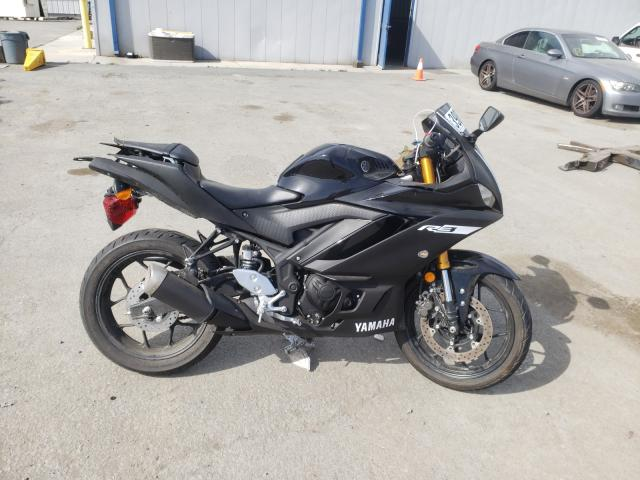 2019 YAMAHA YZFR3 - Left Front View Lot 39855221.
