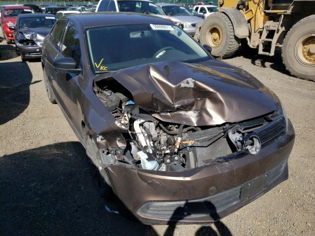 Salvage cars for sale from Copart Graham, WA: 2013 Volkswagen Jetta Base