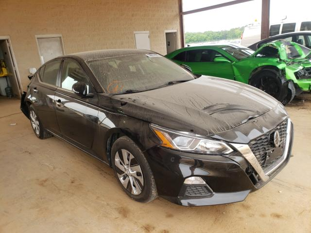 Nissan Altima salvage cars for sale: 2019 Nissan Altima