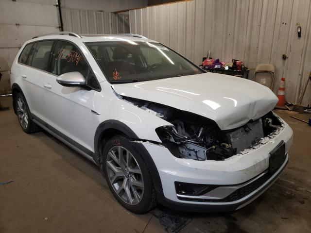 Salvage cars for sale from Copart Lyman, ME: 2017 Volkswagen Golf Alltr