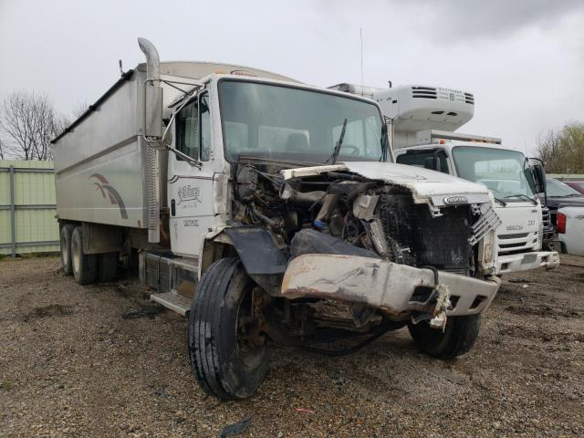Salvage cars for sale from Copart Pekin, IL: 2001 Freightliner Medium CON
