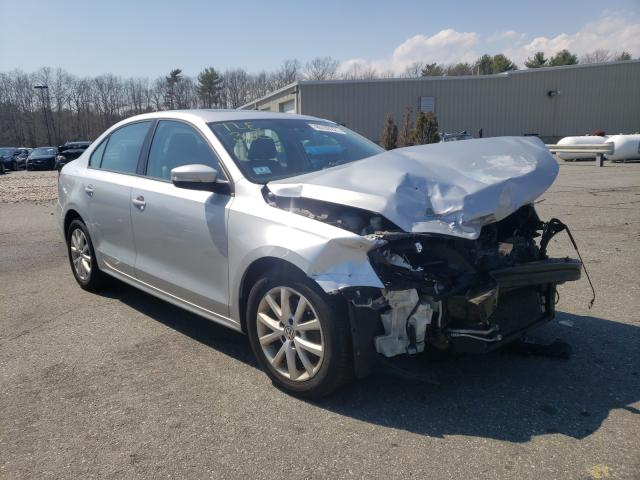 Salvage cars for sale from Copart Exeter, RI: 2012 Volkswagen Jetta SE