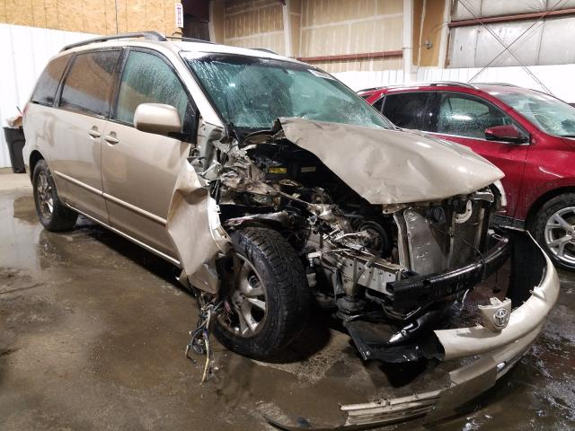 Salvage cars for sale from Copart Anchorage, AK: 2004 Toyota Sienna XLE