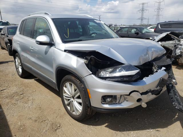 Salvage cars for sale from Copart Elgin, IL: 2013 Volkswagen Tiguan S