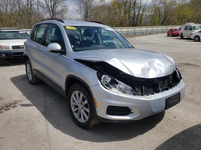 Salvage cars for sale from Copart Ellwood City, PA: 2017 Volkswagen Tiguan S