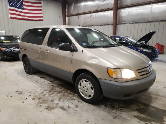Salvage cars for sale from Copart Appleton, WI: 2001 Toyota Sienna CE
