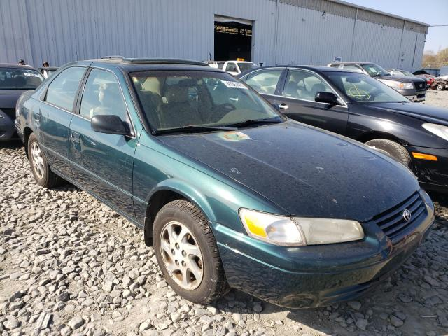 Salvage cars for sale from Copart Windsor, NJ: 1998 Toyota Camry