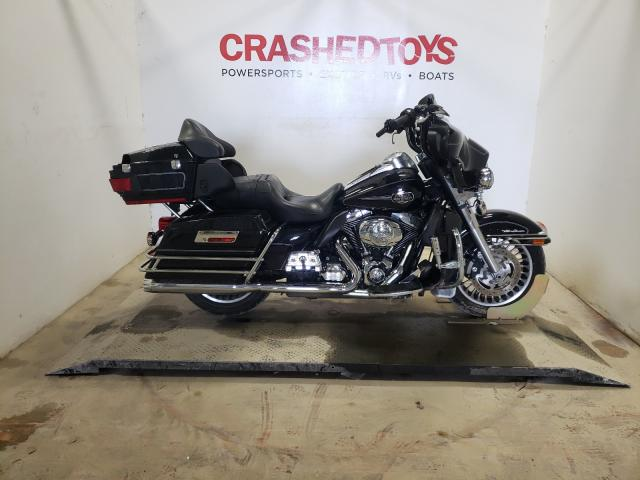Salvage motorcycles for sale at Greenwell Springs, LA auction: 2013 Harley-Davidson Flhtcu ULT