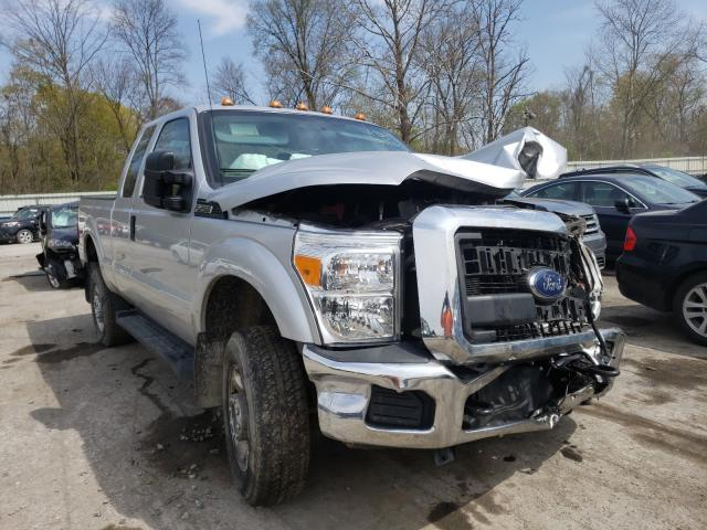 Salvage cars for sale from Copart Ellwood City, PA: 2016 Ford F250 Super