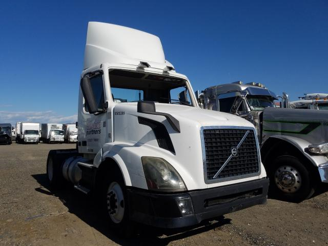 Salvage cars for sale from Copart Sacramento, CA: 2012 Volvo VN VNL