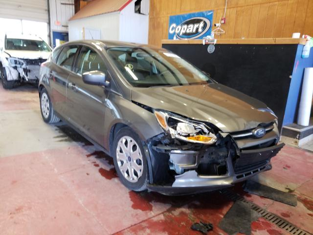 Salvage cars for sale from Copart Angola, NY: 2012 Ford Focus SE
